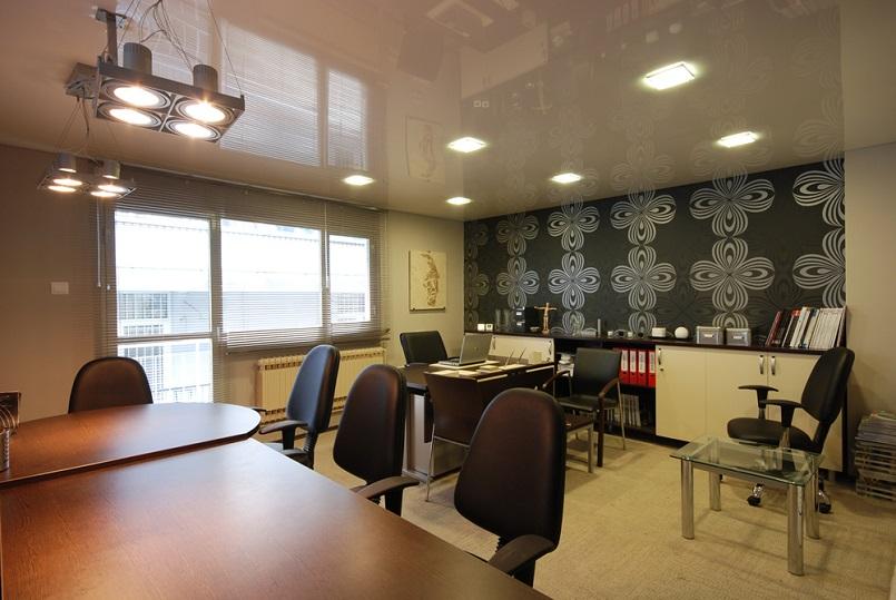 натяжные-потолки-в-офис-2