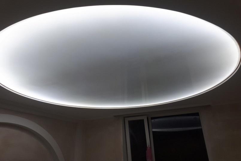 натяжные потолки в туалет 3